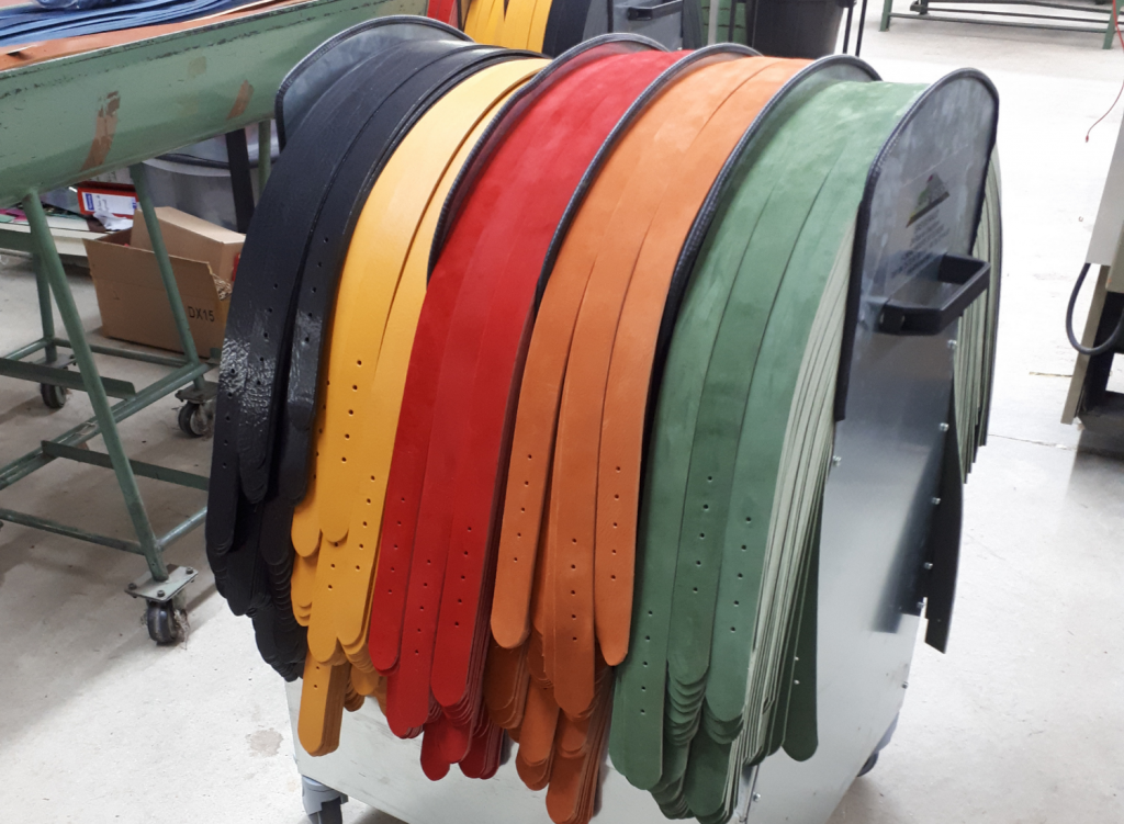 belt-horse-cart-with-dividers