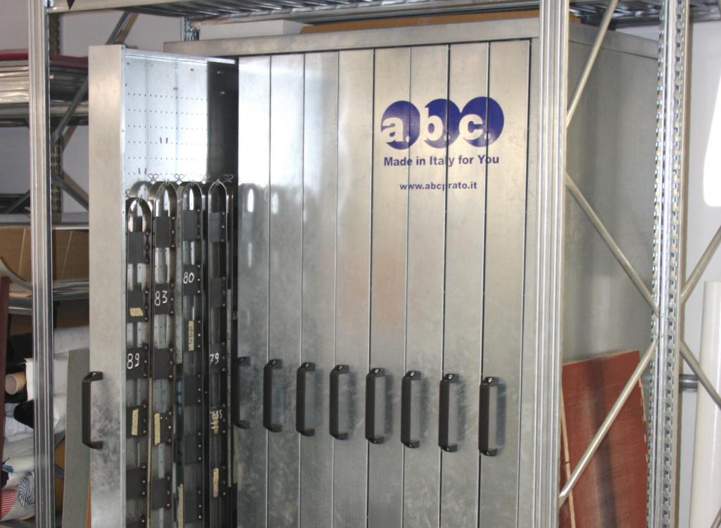 vertical-cabinet-for-belts
